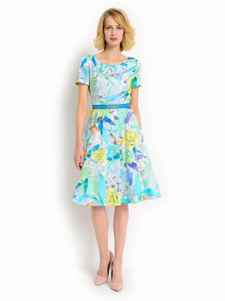 Jaki krój sukienki wybrać, aby podkreślić atuty sylwetki – poradnik